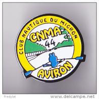 PIN´S THEME AVIRON  CLUB DU MIGRON A FROSSAY EN LOIRE ATLANTIQUE  PINS TRES RARE - Aviron