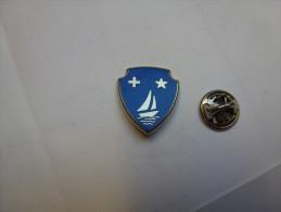 Superbe Pin´s En Zamac , Marine Bateau Voilier - Barcos