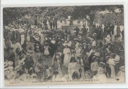 87 - SAINT-JUNIEN - LES OSTENSIONS - PROCESSION AU CHAMP DE FOIRE - BEAU DOCUMENT