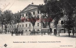 17 - ROCHEFORT SUR MER - 57e D'Infanterie - Vue Intérieure De La Caserne Tréville - Militaire -  2 Scans - Rochefort