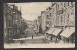DF / 61 ORNE / FLERS / RUE DE LA GARE ET SES COMMERCES / ANIMÉE / CIRCULÉE EN 1911 - Flers