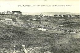 Vedun. Cimetière Militaire Et Au Loin Les Casernes Marceau - Verdun
