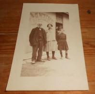 C.P.A.Cantine Avec Un Couple Et Un Enfant - Métiers