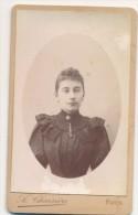 Photographie XIXème CDV Portrait D´une Jeune Femme En Médaillon - Photographe Charrière à Paris - Anonymous Persons