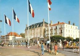 -33- Bassin D´Arcachon-La Place Thiers, Années 70 - Arcachon