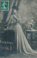 """FEMMES - FRAU - LADY - SPECTACLE - ARTISTES 1900 - Portrait Artiste ROSA BRUCK Dans """"PATACHON"""" - Artisti"""