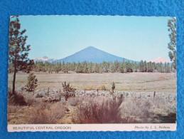 Beautiful Central Oregon. Three Fingered Jack, Black Butte & Mt. Jefferson. Photo By L.L. Perkins - Non Classés