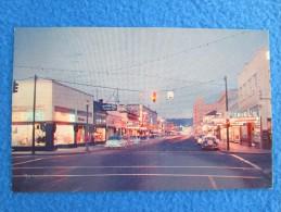 Astoria, Oregon. Commercial Street At Night. - Etats-Unis