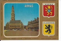 18 - ARRAS - PLACE DES HEROS, L'HOTEL DE VILLE ET SON BEFFROI ( Carte ADHESIVE - AUTOCOLLANTE - BLASONS ARRAS FLANDRES ) - Arras