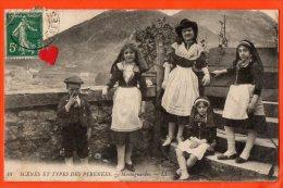 01137-LE-64-Scènes Et Types Des Pyrénées-Montagnardes----------animée-costumes Folkloriques--------EN L´ETAT - France