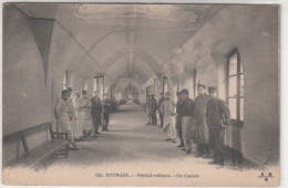 18 - BOURGES / HOPITAL MILITAIRE - UN COULOIR - Bourges