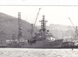 Batiment Militaire Marine Perou BAP Villavicencio Coque 52 En Train D Etre Armé Signee Alfano En 1978 - Boats