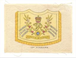 B.D.V. Cigarettes - Etendard Imprimé  Soie Ou Tissu Satiné ( 11 X 16 Cm)  - 13 Th HUSSARS - UK / GB - Cigarettes - Accessoires