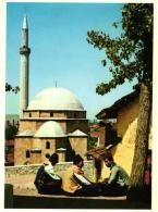PRIZREN,PERSONNAGES,PEUT ETRE MOSQUEE,COULEUR,REF 41730 - Serbia