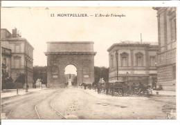 MONTPELLIER Arc De Triomphe  Nombreuses Caleches - Taxi & Carrozzelle