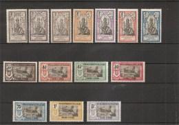 Inde Française ( Lot De Timbres Divers Différents X -MH) - India (1892-1954)