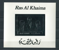 RAS AL KHAIMA * 1970 * DE GAULLE  LUBECK  ADENAUER * SILVER FOIL * S/S * MNH - Ras Al-Khaima
