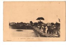C P A--AFRIQUE  DAHOMEY--PORTO-NOVO--le Débarquement Du Chaland--voir 2 Scans - Dahomey