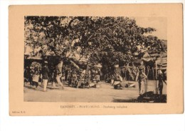 C P A--AFRIQUE  DAHOMEY--PORTO-NOVO--faubourg Indigène--voir 2 Scans - Dahomey