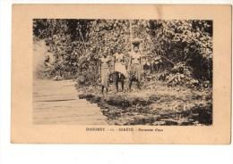 C P A--AFRIQUE  DAHOMEY--SAKETE--porteuses D'eau--voir 2 Scans - Dahomey