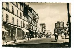 CPsm 93  :    LES LILAS    Carrefour Du Métro  1950    A  VOIR  !!!!!!! - Les Lilas