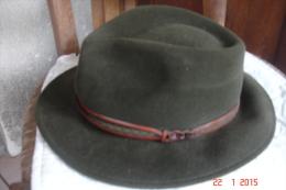 Chapeau De Chasseur Poil De Lapin Vert Taille 61 .Tascabile Hamilton Années 1990 - Accessories