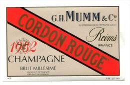 Etiquette Champagne  MUMM  Reims  Cordon Rouge 1982  A  VOIR  !!!!!!! - Advertising