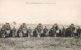 CAMP DE SISSONNE ARRIVEE DES TANKS TANKISTE ARTILLERIE TANK 02 AISNE - Ausrüstung