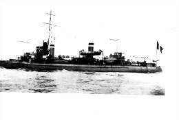 Batiment Militaire Marine Francaise Contre Torpilleur Claymore - Boats