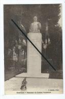 CPA - Doullens -  Monument Du Docteur Voisselle - Doullens
