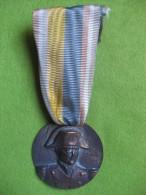 MEDAILLE NAPOLEON BONAPARTE. 1796 ARCOLE 1976 Avec Ruban - France