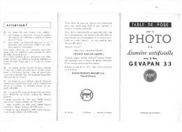 TABLE DE POSE PHOTO à La LUMIERE ARTIFICIELLE  FILM  GEVAPAN  33 - Appareils Photo