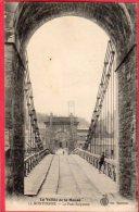CPA 08 MONTHERME Le Pont Suspendu  ( Gros Plan La Vallée De La Meuse - Montherme