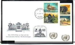 WIT405 UNO WIEN 2001  MICHL 327/30  Auf 2 STÜCK WEISSE KARTEN - White Cards - Wien - Internationales Zentrum