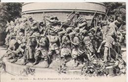 TROYES 101 BAS RELIEF DU MONUMENT DES ENFANTS DE L'AUBE - Monuments Aux Morts