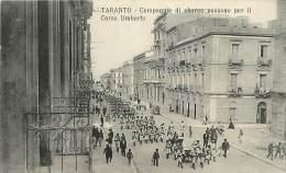 - Ref D535 -  Italie - Taranto - Compagnie Di Sbarto Passano Per Il Corso Umberto - Militaires - Militaria - - Italy