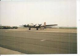 "PHOTO 9X13 : CAMBRAI 1986 BASE AERIENNE 103  - BOMBARDIER "" B17 ""   (   - AERODROME  - AVION ) - Cambrai"
