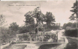 BERNAY MONUMENT DE LE DEFENSE NATIONALE - Monuments Aux Morts