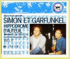 SIMON & GARFUNKEL - Concert � l�hippodrome d�Auteuil 1982