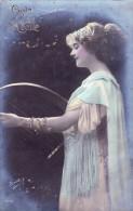 CPA  De  VIVE STE-CECILE  Représentant Une Jeune Femme Jouant Avec Une Petite Harpe  // TBE - Wensen En Feesten