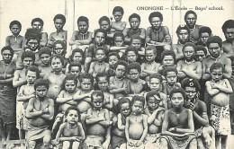 - Ref D377 - Papouasie Nouvelle Guinee - Onoghe - L Ecole - Boys School -   Carte Bon Etat - - Papua New Guinea