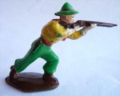 Figurine ACEDO COWBOY TIREUR DEBOUT Penché En Avant 60's Pas Starlux Clairet Cyrnos, - Figurines