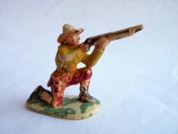 Figurine MARQUE INCONNUE 60's Pas Starlux Clairet Jim Cyrnos 2 COWBOY TIREUR A GENOUX - Starlux
