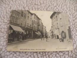 A243.  CPA.  87.  SAINT-JUNIEN.  Rue Lucien Dumas.    beau plan anim�. �crite & voyag�e 1908