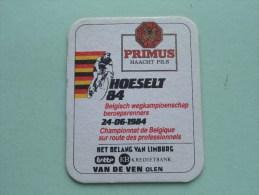 PRIMUS Haacht Pils HOESELT Beroepsrenners 1984 ( Sous Bock / Coaster / Onderlegger ) Zie Foto´s Voor Detail ! - Beer Mats