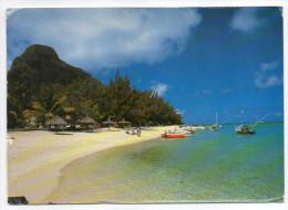 Ile  Maurice--Plage Du Morne  Cpm éd Arts Ditributions Cie LTEE--format 17cm X 12cm--Beau Timbre Au Dos - Mauritius