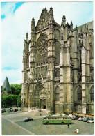 Beauvais: AUTOBUSCOACH, CITROËN DS, RENAULT FREGATE, SIMCA ARONDE, CHEVROLET DELUXE - La Cathédrale St-Pierre - (109, F) - Toerisme