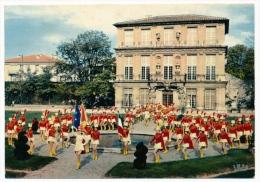 CPM - AIX-EN-PROVENCE (B Du R) - Majorettes ... Parade Du Bataillon De Charme De La Cité Du Roi René - Aix En Provence