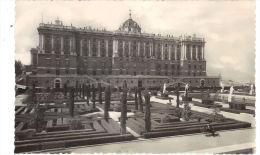 69. MADRID. Palacio Real Y Jardines De Gasparini - Madrid