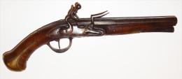 Pistolet � silex fran�ais fin XVIIIe sign� � POFILE a LION